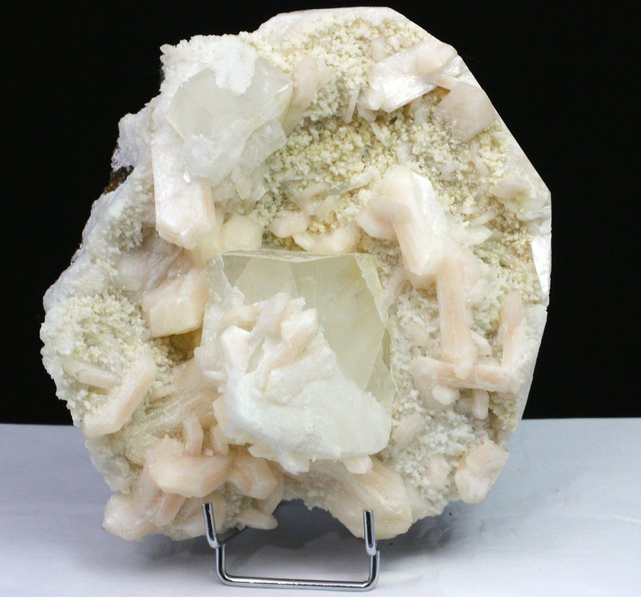 Calcite and stilbite