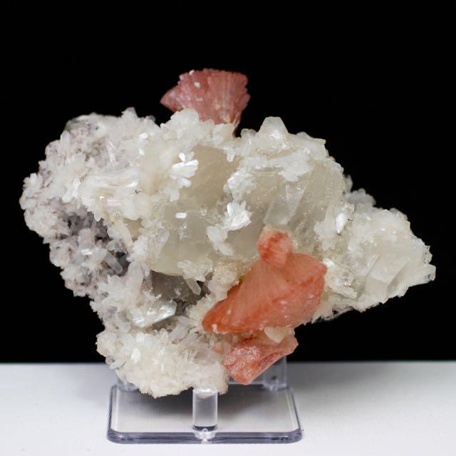 Heulandite, Calcite, Stilbite, Apophyllite, Chalcedony, Quartz, Matrix, Zeolite, Minerals, Natural Stone, Rock, Natural Crystal, Collectible, India, Earth