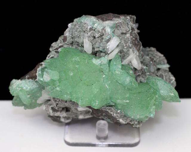Green Apophyllite, Stilbite, Chalcedony, Apophyllite, Quartz, Matrix, Zeolite, Minerals, Natural Stone, Rock, Natural Crystal, Collectible, India, Earth
