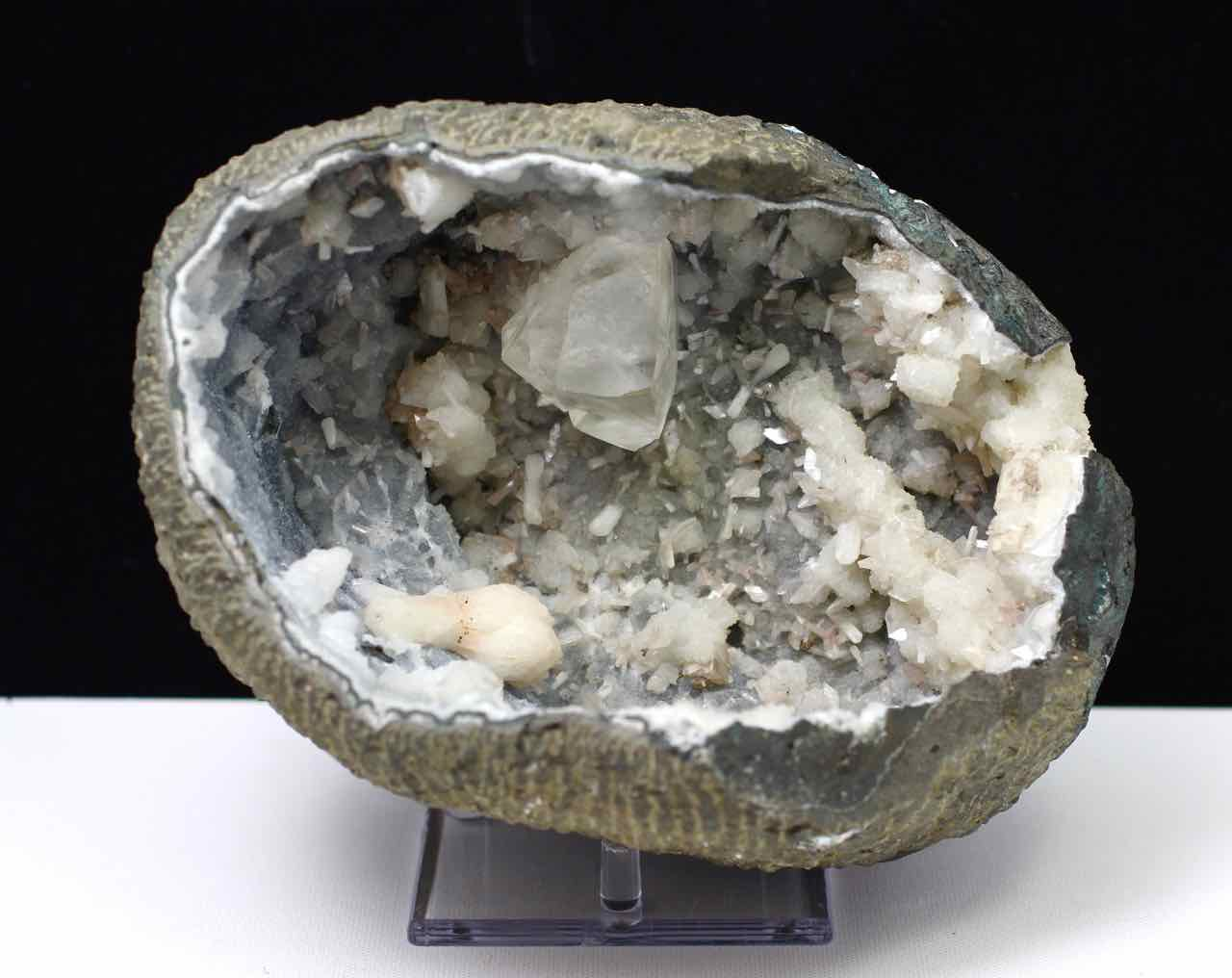Calcite, Stilbite, Heulandite, Chalcedony, Quartz, Matrix, Zeolite, Minerals, Natural Stone, Rock, Natural Crystal, Collectible, India, Earth