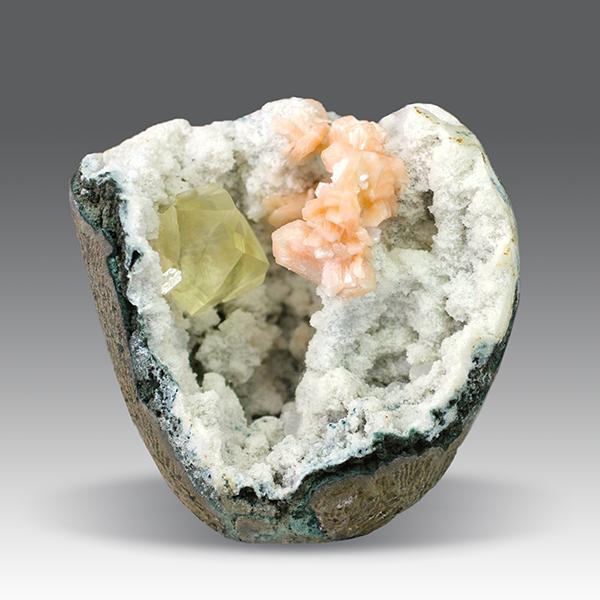 Calcite, Stilbite and Chalcedony