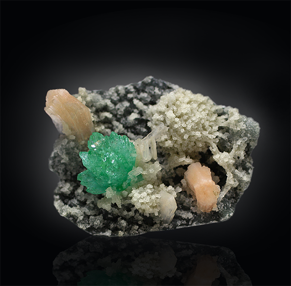 Green Apophyllite, Heulandite, Stilbite on chalcedony